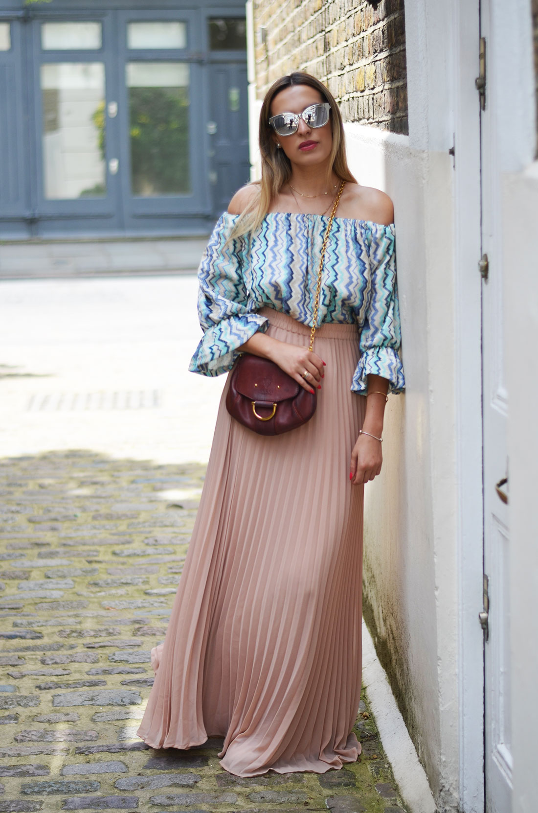 ada4eec0349dc Off the shoulders + long skirt - Camila Carril
